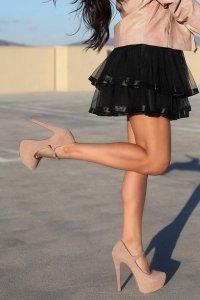 Как визуально удлинить ноги?