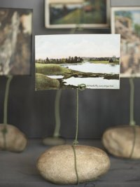 Подставка для фотографий из камня