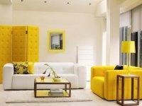 Желтый в интерьере: 5 идей для декора помещения