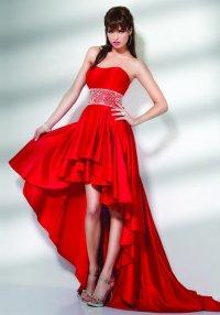 Красное платье для выпускного: яркая феерия страсти