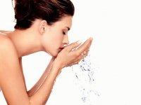 Как приготовить средство для снятия макияжа своими руками?