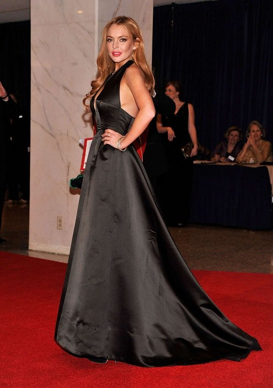 Линдси Лохан. В Белом Доме в помятом платье
