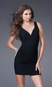 Короткое черное платье для выпускного