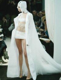 Свадебное платье гостьи из будущего
