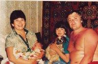 В сети появились детские фотографии Жанны Фриске