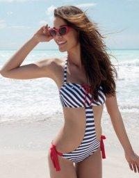 Модный тренд: морские мотивы на купальнике