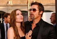 Анджелина Джоли смущается от интервью мужа