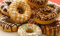 Творожные пончики - пятничное лакомство.