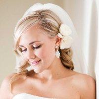 Свадебная прическа: простая или сложная?