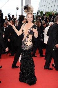 Каннский кинофестиваль 2012: модные провалы на красной дорожке