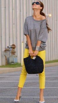 Желтые брюки - яркий летний тренд