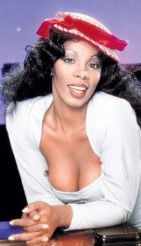 Умерла Донна Саммер, «Королева диско» 70-х