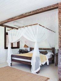 Стили контемпорари и рустикальный в дизайне интерьера спальни