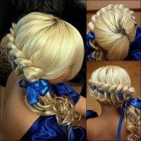 Прическа с лентой в косе