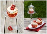Кексы с кремом из красной смородины