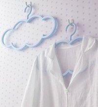 Оригинальная вешалка для одежы