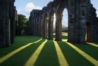 Монастырь Ллантони, Уэльс, Великобритания