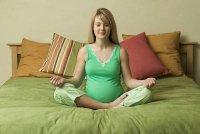 Когда можно заниматься йогой во время беременности
