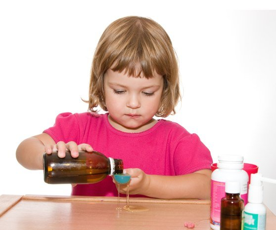Как давать ребенку жидкие лекарства
