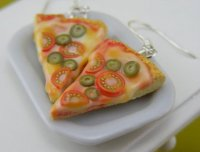 Серьги в виде кусочков пиццы