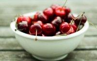 Черешня.Вкусная ягода.