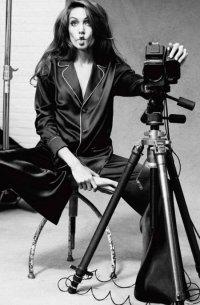 Старая фотосессия Анджелины Джоли для Marie Claire