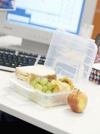 Питание на работе: еда собственного приготовления