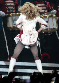 Мадонна показала римлянам голый зад