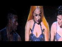 Леди Гага подарили серебряный фаллоимитатор