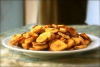 Острые банановые чипсы