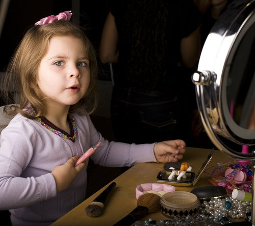 Ребенок и косметика