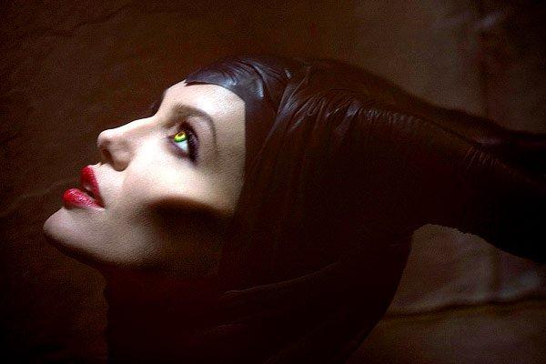 Королева Зла Анджелина Джоли