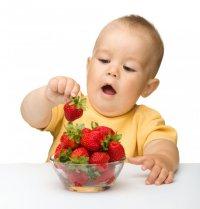 Как правильно вводить ягоды в рацион ребенка