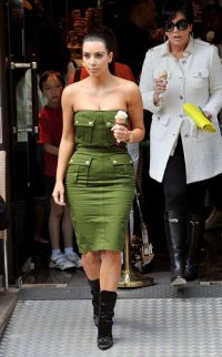 Ким Кардашьян требуется стилист