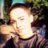 Даша Астафьева подстриглась под мальчика