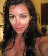 Ким Кардашиан без макияжа