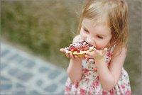 Когда можно вводить сладости в рацион ребенка?