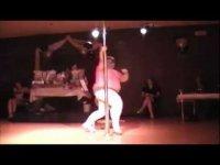 115-килограммовая стриптизерша