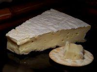 Закуски к вину: сыр Бри