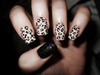 Черно-белая вариация леопардового маникюра