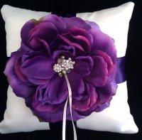 Фиолетовая подушечка для колец