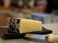 Закуски к вину:  сыр Пекорино