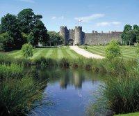 Необычные гостиницы: британский замок Эмберли