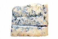 Закуски к вину:  сыр Канталь