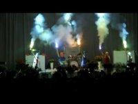 Pussy Riot на концерте Faith No More