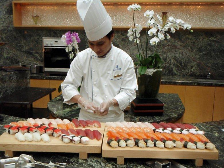 Суши повар фото