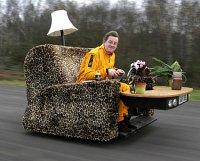 Мировой рекорд: софа на колесах