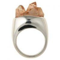 Природная красота драгоценных камней: кольцо с золотым топазом