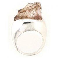 Природная красота драгоценных камней: кольцо с дымчатым кварцем
