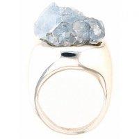 Природная красота драгоценных камней: кольцо с целестином